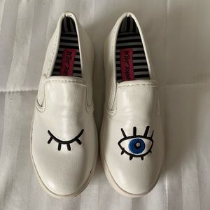 Betsey Johnson Girls Eye Sneakers